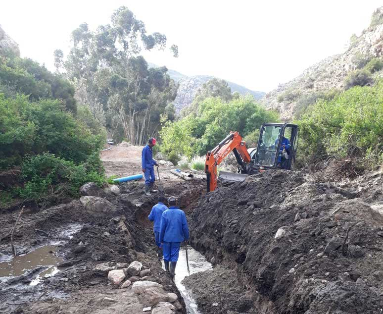 Repairing the Donkerkloof pipeline